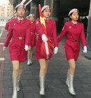 女子护卫队冬日穿短裙训练